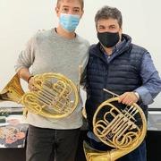 Ayer día de éxito en Albacete 📯 en la exposición de trompas Dürk y Alexander. Aquí os dejamos un poquito de lo que pasó ayer. ¡¡Muchas gracias a todos y todas por venir!! Y sobretodo el más sincero agradecimiento a @solobrass. #neomusica#trompas#trompistas#horn#dürkhorn#alexanderhorns#frenchorn#hornlife#hornplayer#solobrass#miraquinatrompa#tiendainstrumentosvalencia#tiendamusicavalencia#tiendaintrumentosmusicales#buñol
